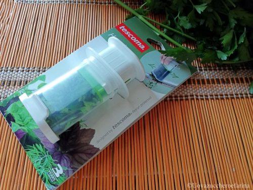Dispenser per conservare le erbe aromatiche